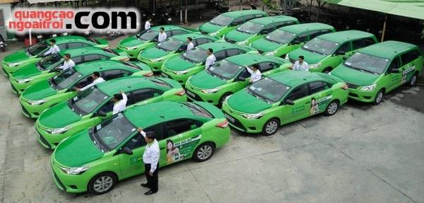 quảng cáo trên xe taxi open99