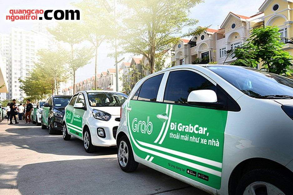 dịch vụ quảng cáo trên xe ô tô