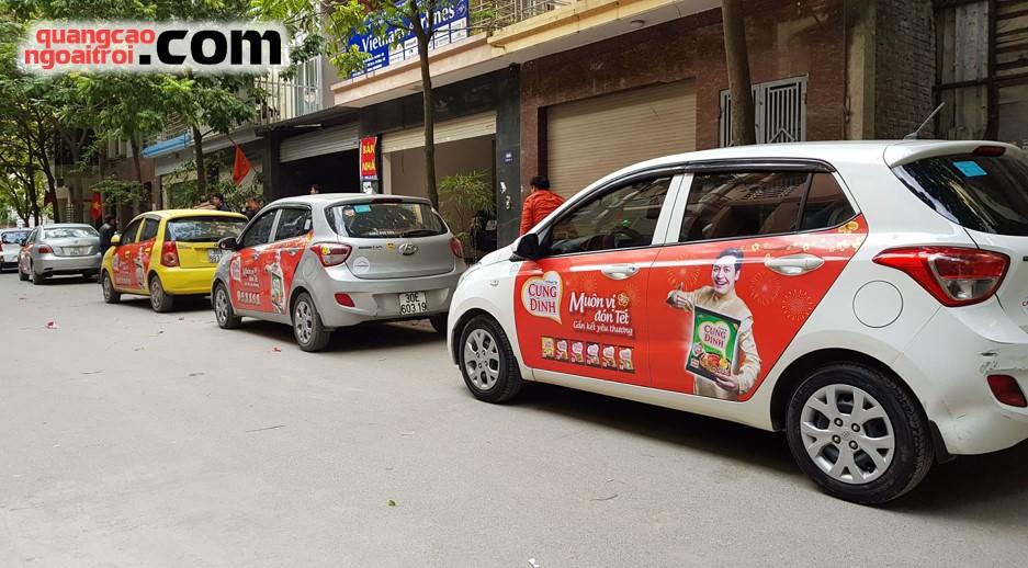 quảng cáo trên ô tô xe hơi