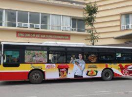 quảng cáo trên xe bus tràn kính