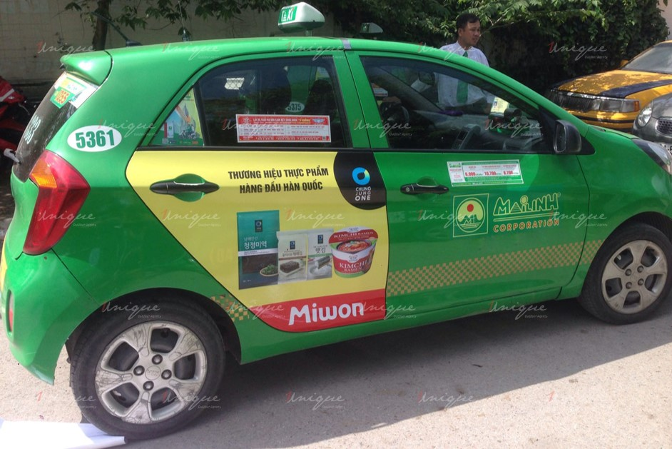 quảng cáo trên xe taxi tại Hậu Giang
