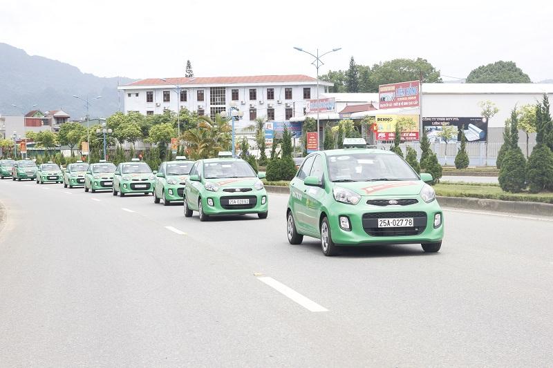 quảng cáo trên xe taxi tại Lai Châu