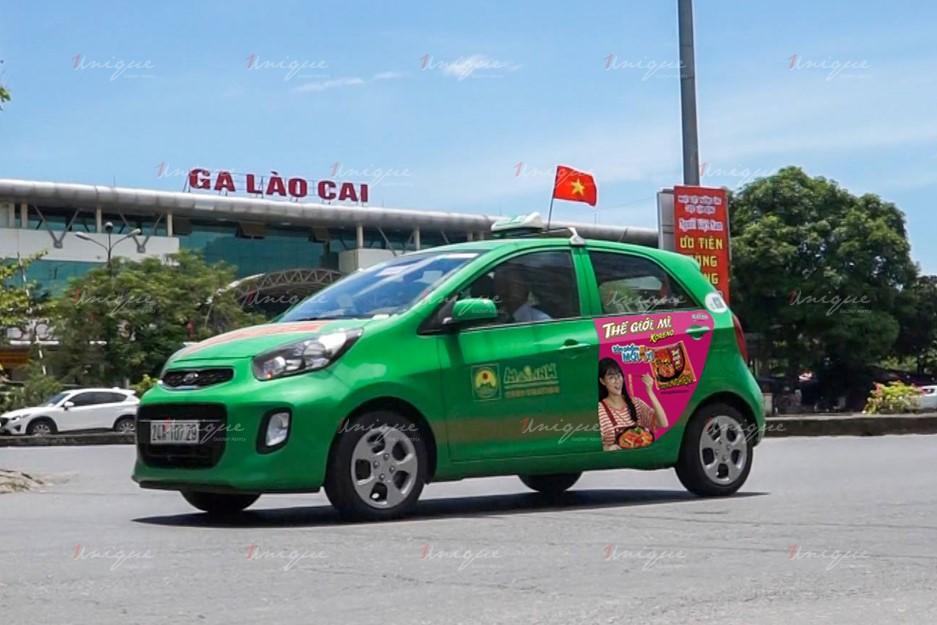 quảng cáo trên xe taxi tại Lào Cai