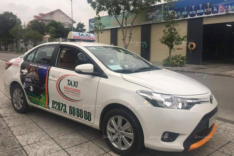 quảng cáo trên xe taxi tại Kiên Giang