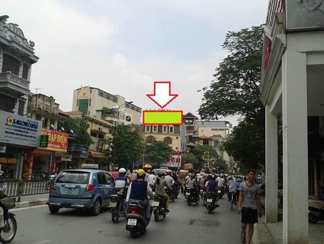 pano quảng cáo ngã tư Cát Linh - Tôn Đức Thắng, Hà Nội