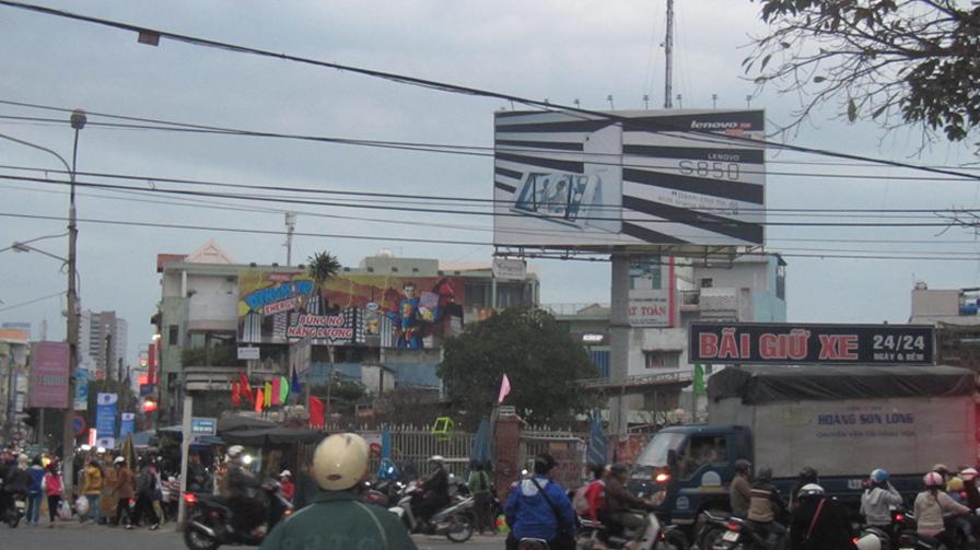 Pano quảng cáo vị trí Ngã tư Hùng Vương - Ông Ích Khiêm, TP Đà Nẵng