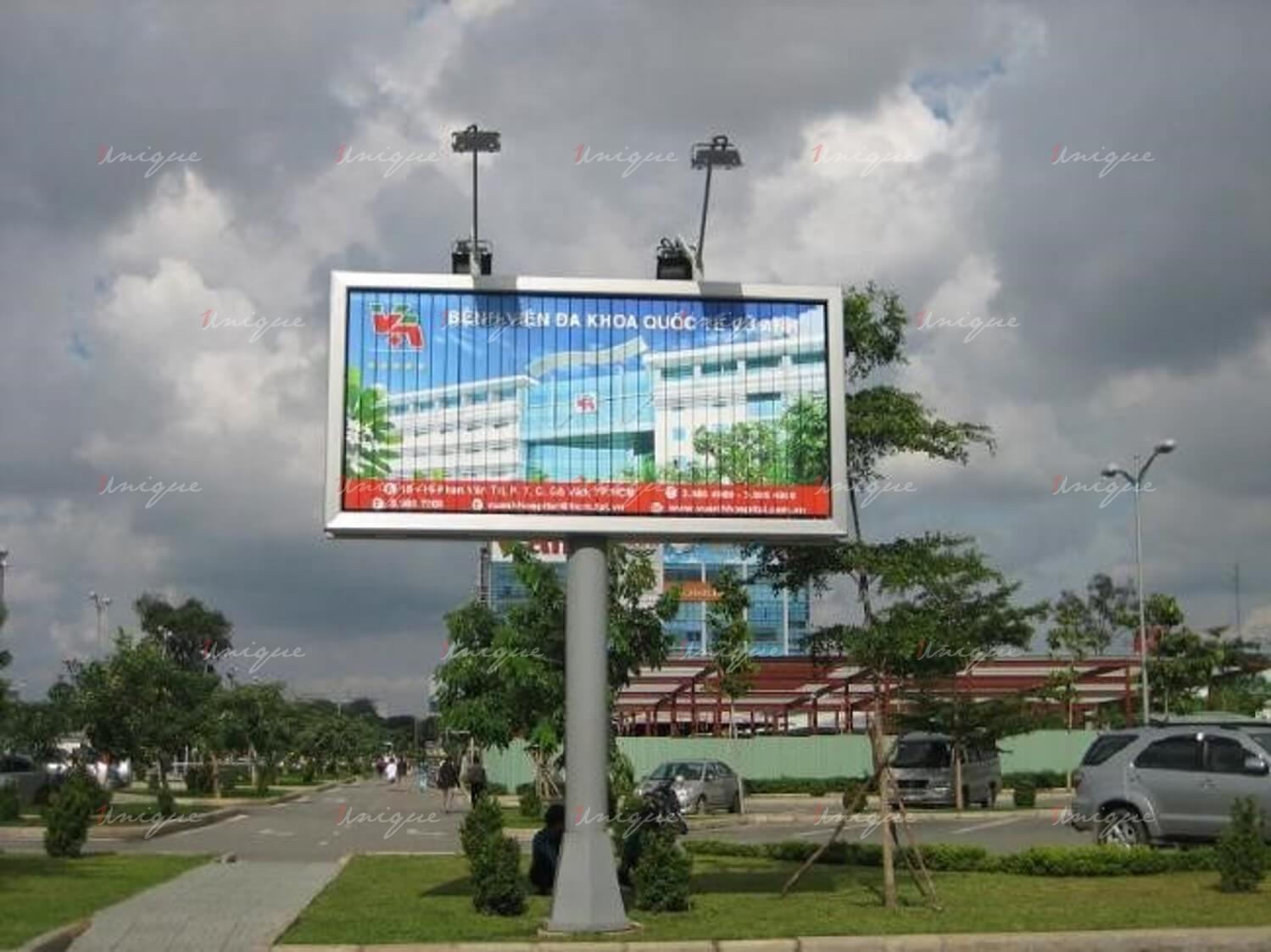 biển quảng cáo lật 3 mặt trivision billboard