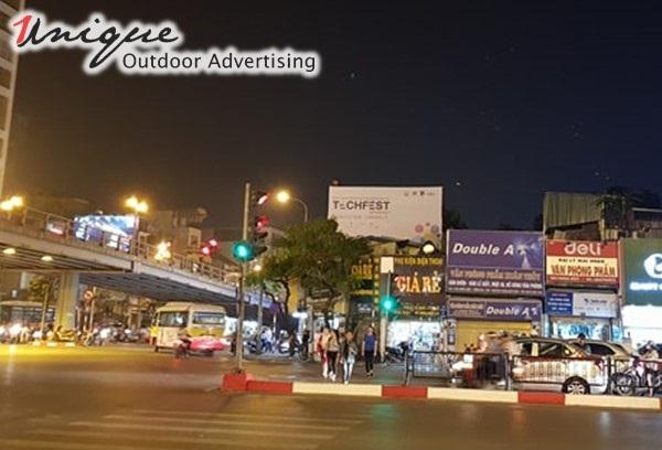 Pano quảng cáo ngoài trờitại