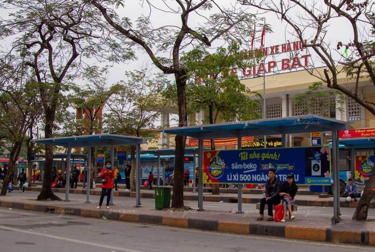 Quảng cáo nhà chờ xe buýt tại Hà Nội