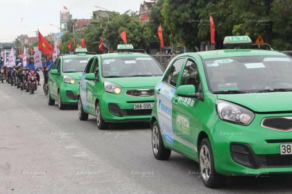 quảng cáo trên xe taxi tại Hà Tĩnh