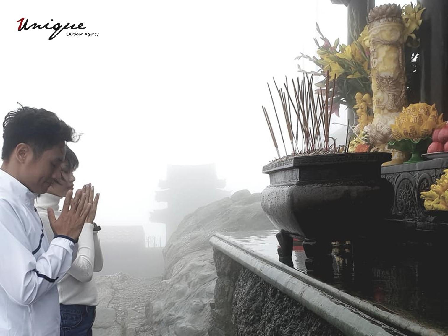 Chuyen Outing Yen Tu cua Unique