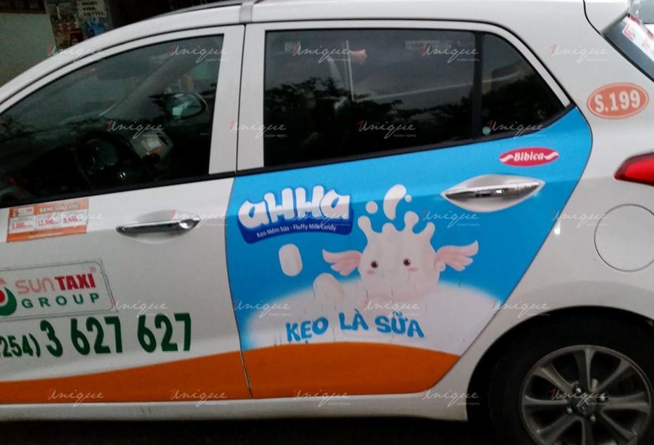quảng cáo trên xe taxi tại Quảng Trị