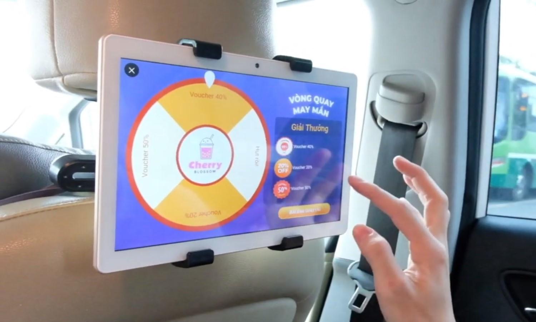 màn hình quảng cáo lcd trên xe ô tô