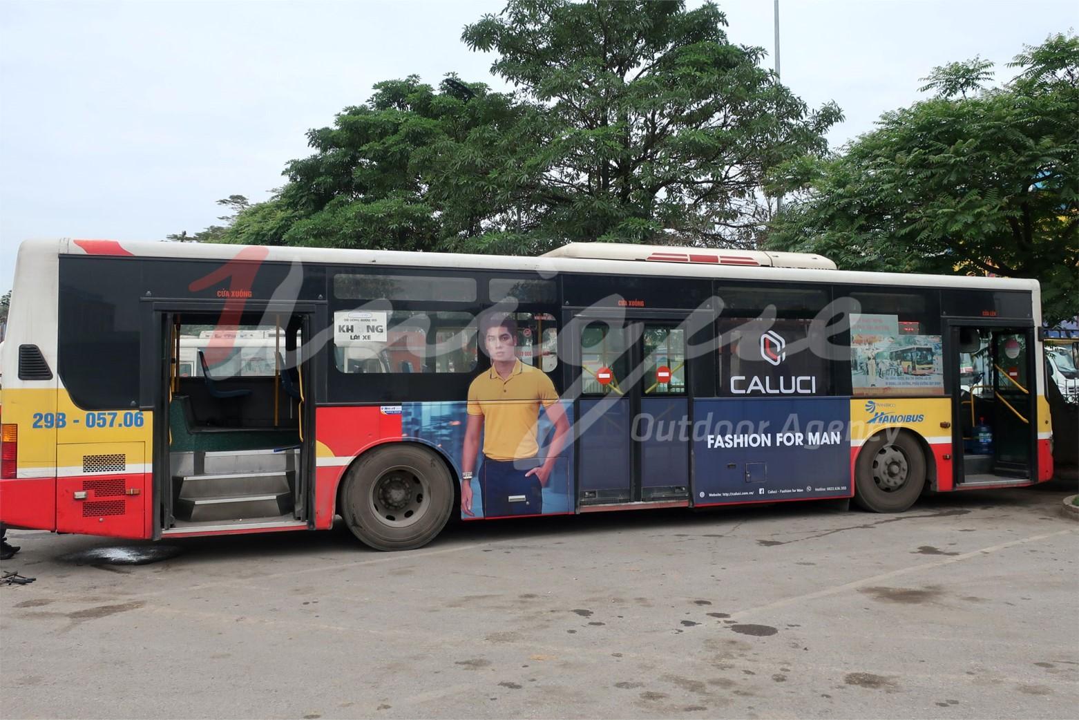 caluci quảng cáo trên xe buýt