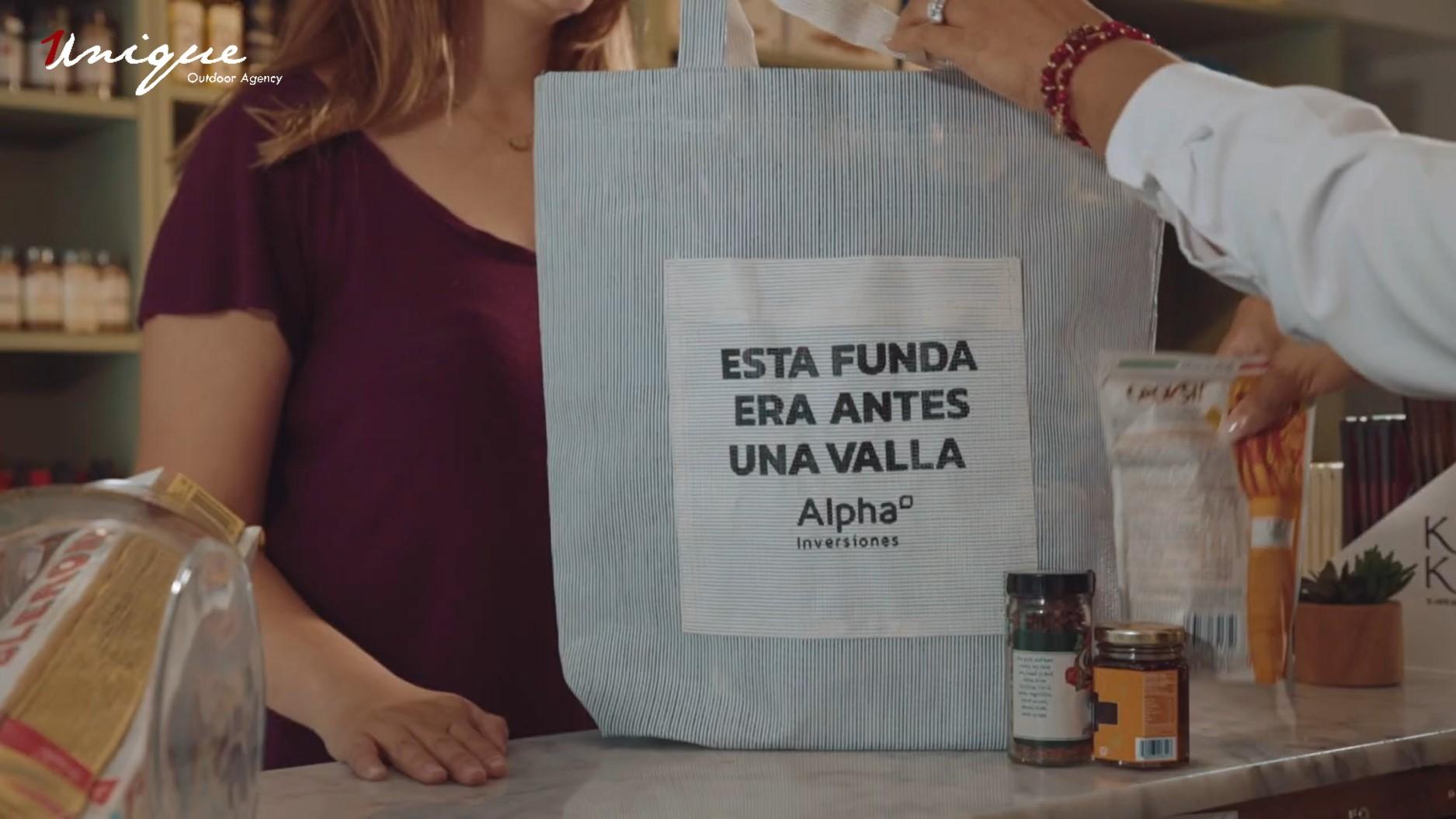 bảng quảng cáo ngoài trời tái chế