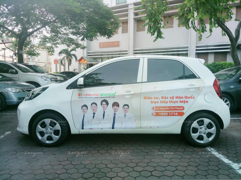 Thẩm mỹ viện Lienjang Bảo Sơn quảng cáo trên xe ô tô