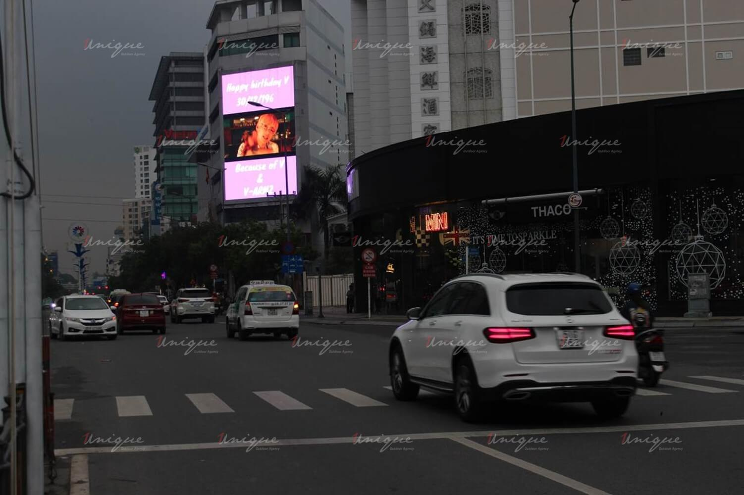 V BTS quảng cáo màn hình led ngoài trời
