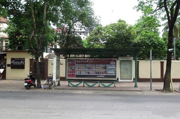 Quảng cáo nhà chờ xe buýt của VinMart