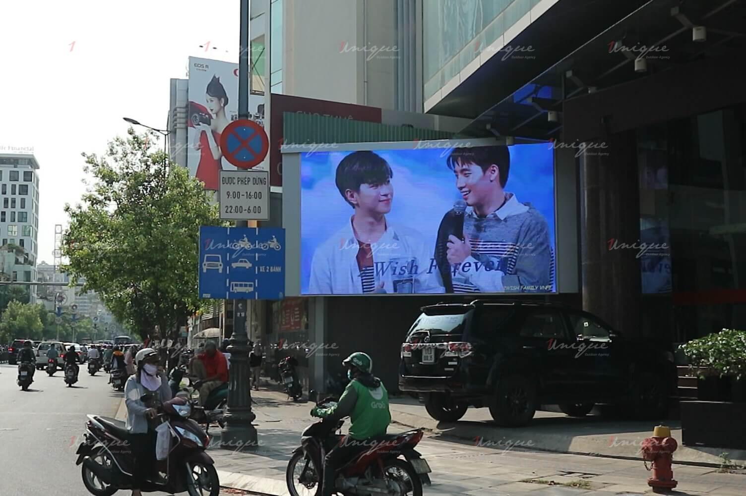 quảng cáo màn hình led ngoài trời cho thần tượng thái lan