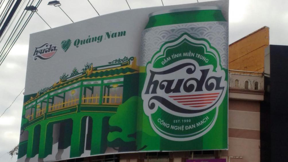 Huda sử dụng Chùa Cầu Hội An để quảng cáo cho bia