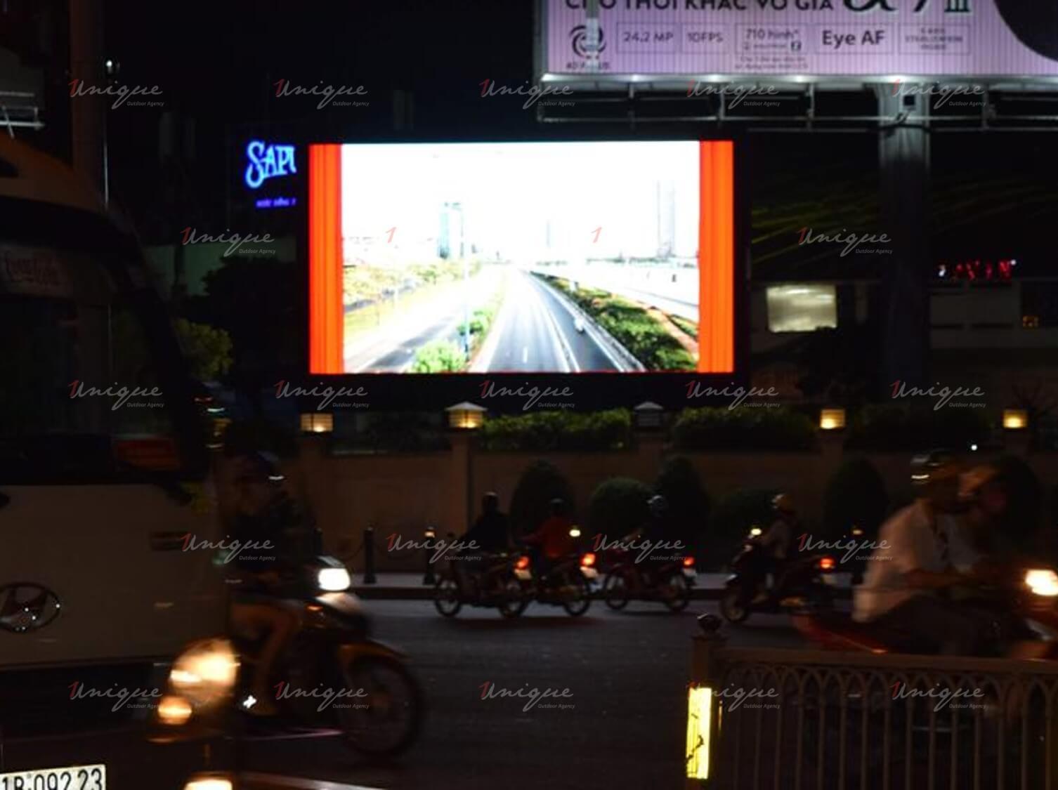Màn hình Led quảng cáo ngoài trời tại Quân Khu 7