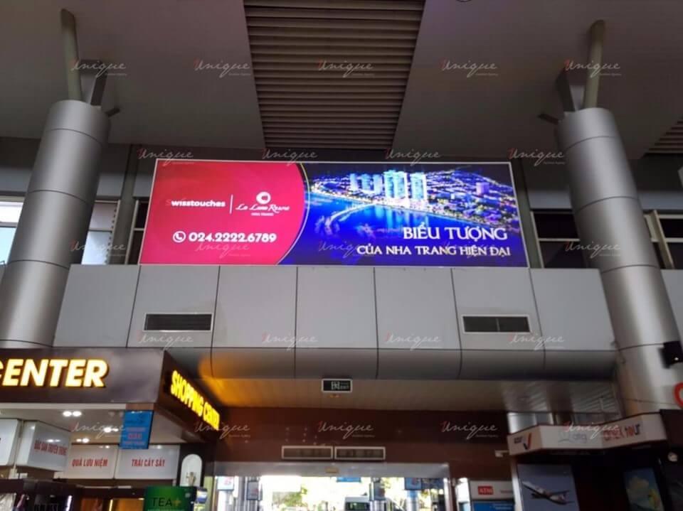 quảng cáo biển hộp đèn sân bay