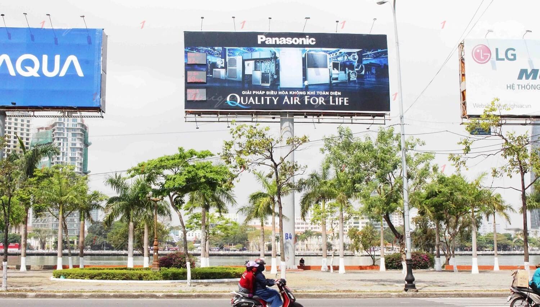 Quảng cáo tại sân bay kết hợp quảng cáo trên máy bay