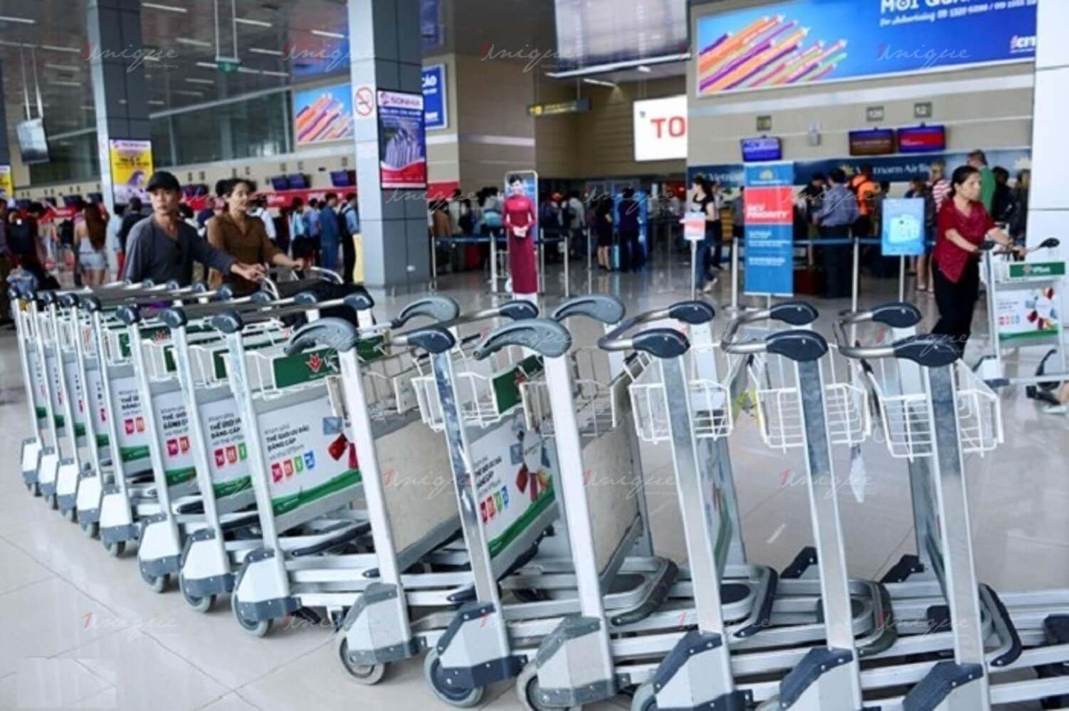 quảng cáo xe đẩy tại sân bay