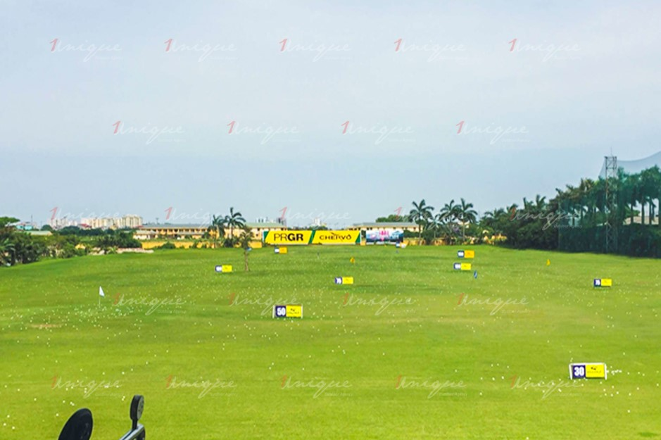 quảng cáo trên sân tập Golf Đảo Sen