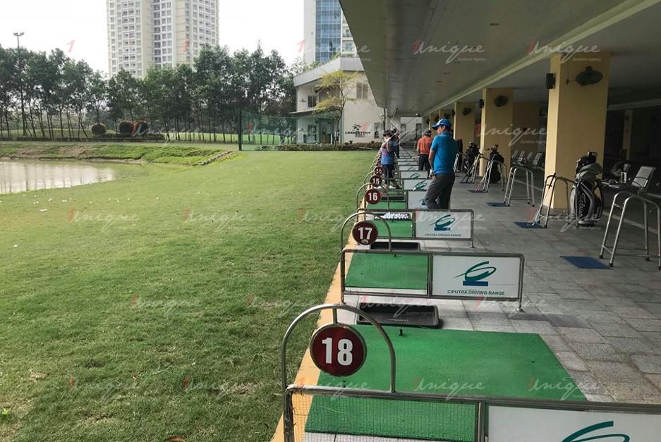 quảng cáo trên sân tập Golf Ciputra