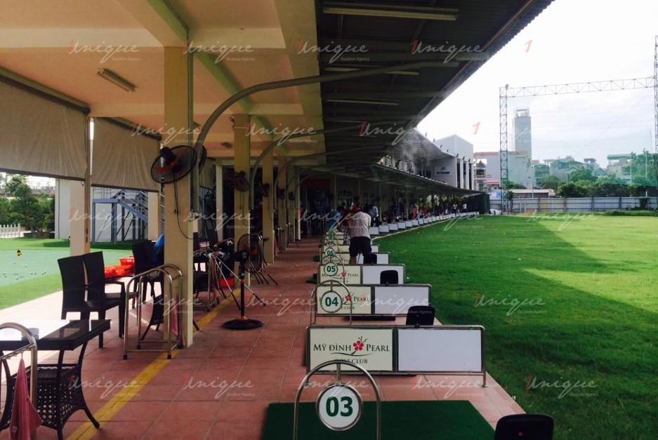 Quảng cáo trên sân tập Golf Mỹ Đình Pearl