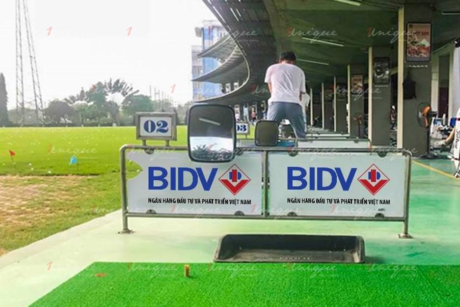Quảng cáo trên sân tập Golf Phương Đông