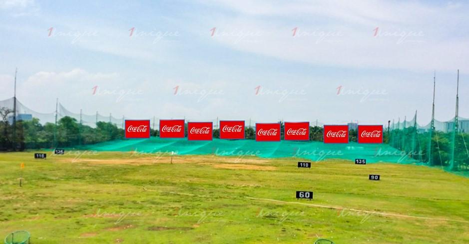 Quảng cáo trên sân tập Golf Rạch Chiếc