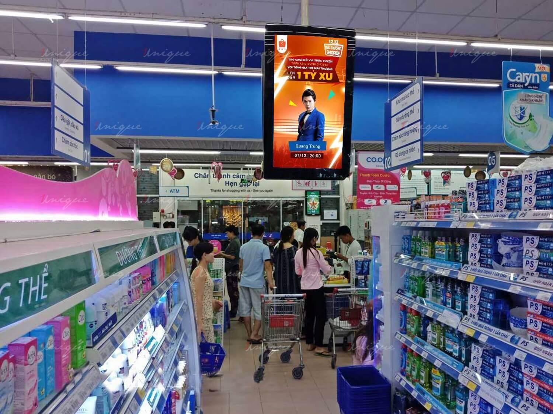 quảng cáo led lcd frame tại siêu thị