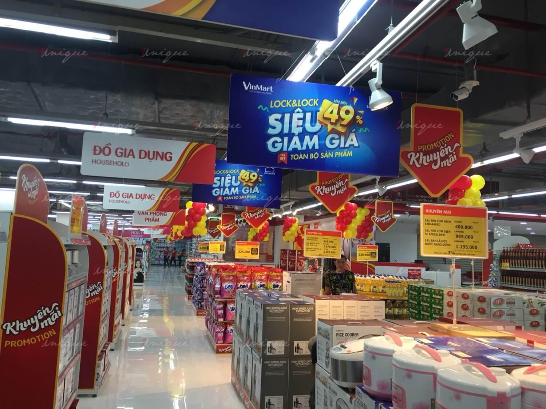 quảng cáo banner thả trần siêu thị