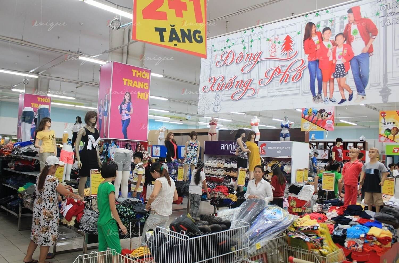 quảng cáo banner thả trần tại trung tâm thương mại siêu thị