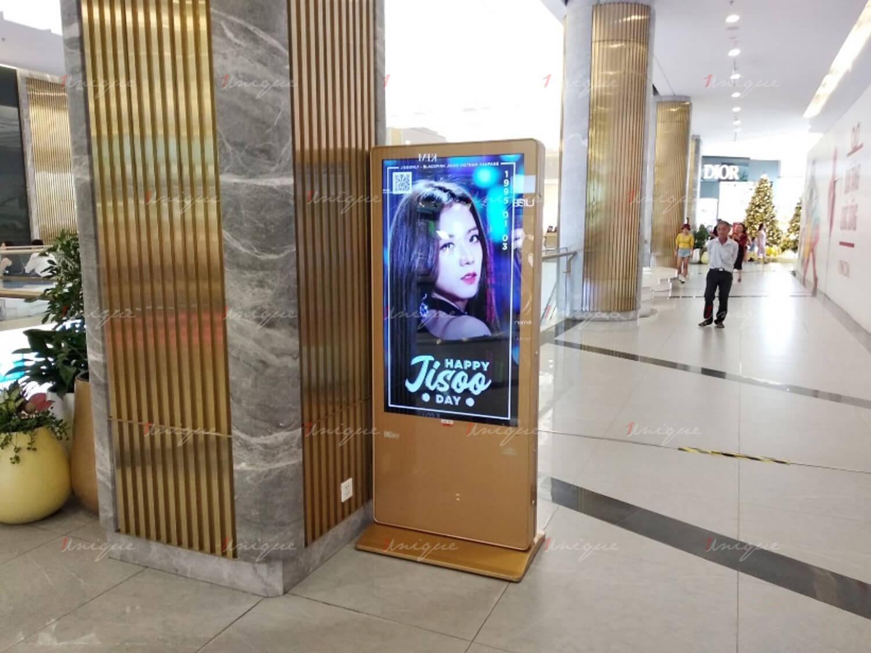 quảng cáo màn hình SAM mừng sinh nhật Jisoo