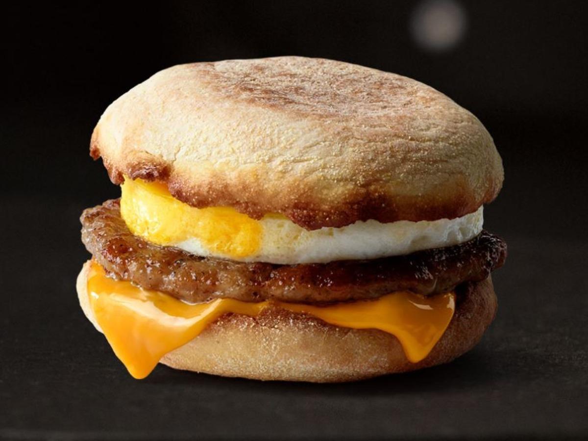 chiến dịch quảng cáo ngoài trời Iconic Stacks của McDonalds