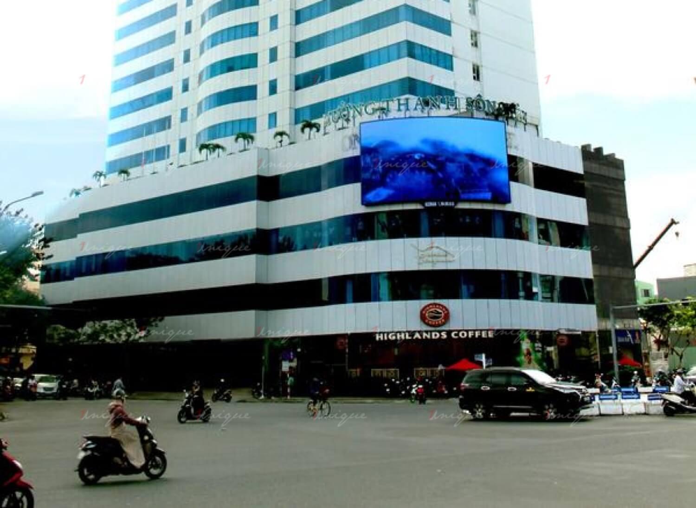 Màn hình Led quảng cáo ngoài trời tại vòng xoay Nguyễn Văn Linh - Hoàng Diệu
