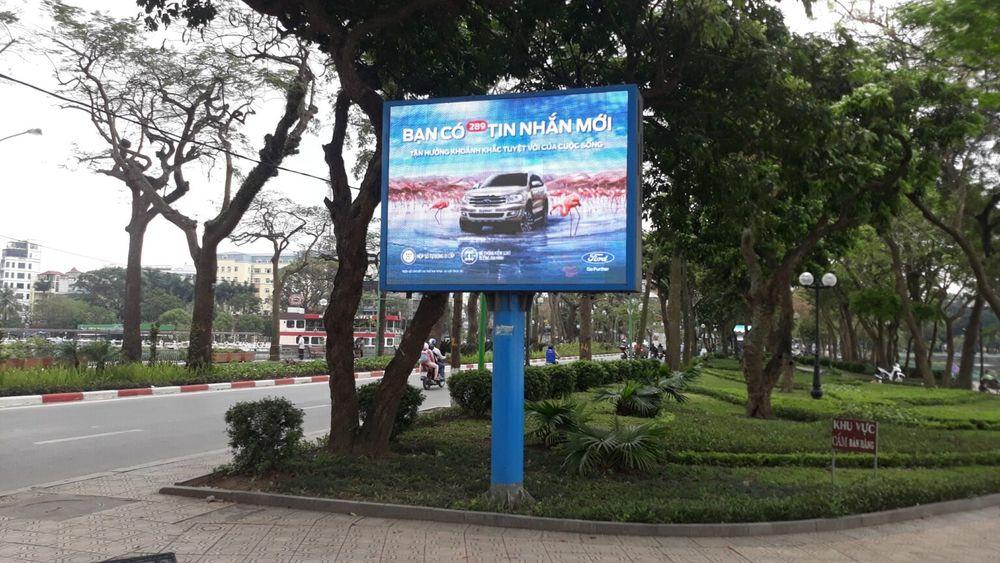 màn hình Led quảng cáo trên đường Thanh Niên