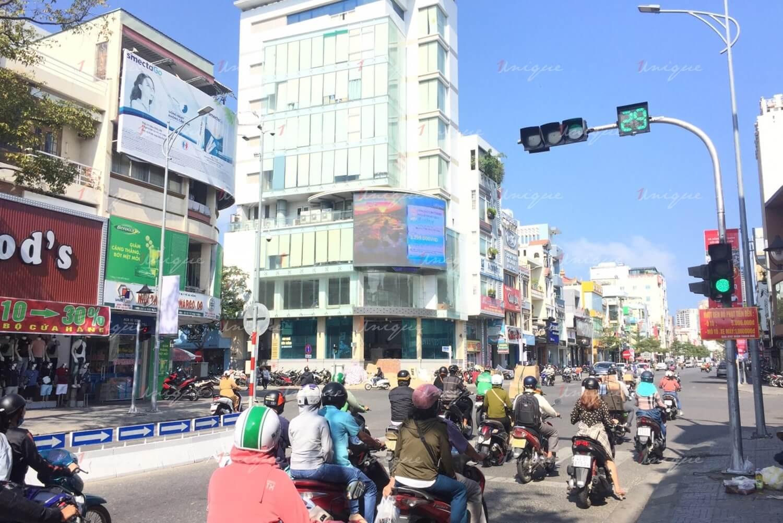 Màn hình Led quảng cáo tại nút giao Lê Duẩn - Ông Ích Khiêm, Đà Nẵng