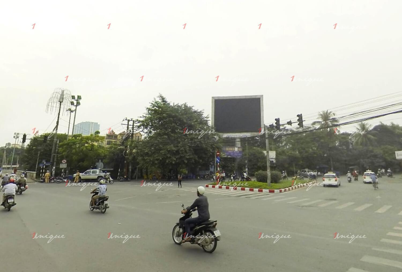 Màn hình Led quảng cáo tại cầu Trắng, Hà Đông