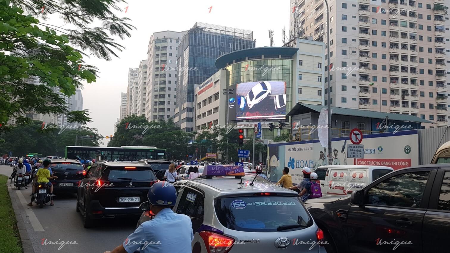 Màn hình Led quảng cáo ngã tư Lê Văn Lương - Hoàng Đạo Thúy