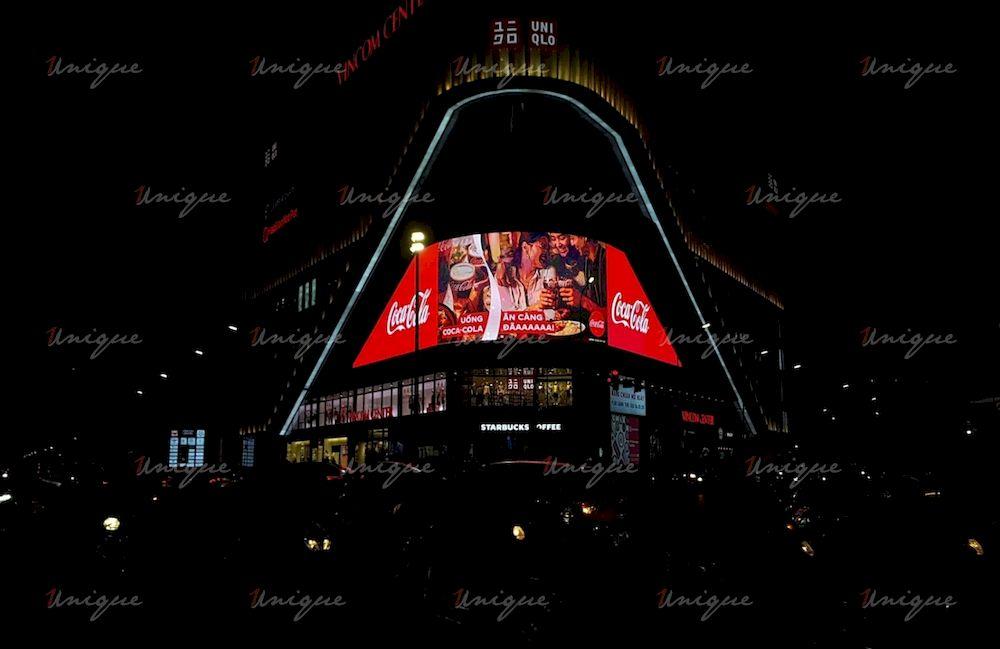 Màn hình Led quảng cáo ngoài trời tại Vincom Phạm Ngọc Thạch, Hà Nội