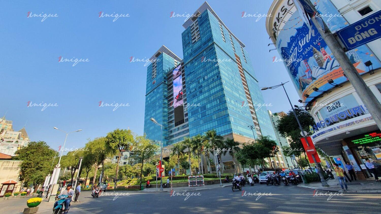 Màn hình Led quảng cáo ngoài trời tại Vincom Đồng Khởi