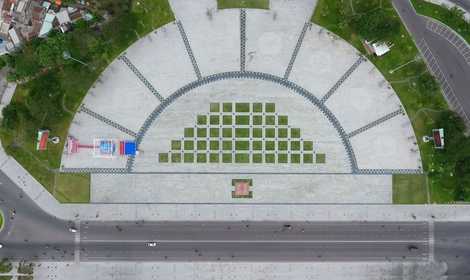 Màn hình Led quảng cáo ngoài trời tại quảng trường Quy Nhơn, Bình Định