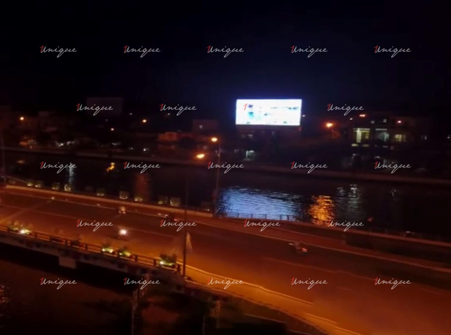 Màn hình Led quảng cáo ngoài trời bên kênh Xà No - Hậu Giang