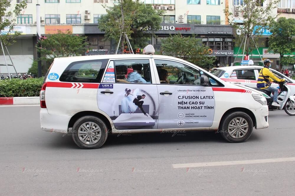 quảng cáo full 4 cánh trên taxi