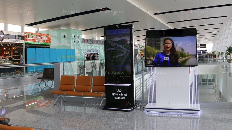 quảng cáo trạm sạc pin ở sân bay