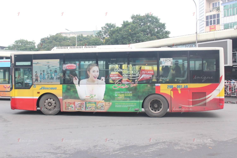 báo giá quảng cáo trên xe bus